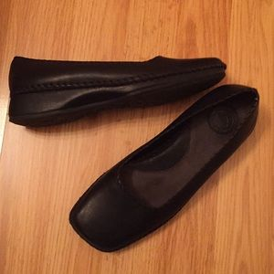 Naturalizer flat shoes used size 6